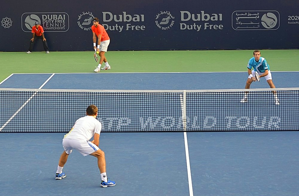 This image has an empty alt attribute; its file name is Dubai_tennis2021.jpg